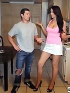 Alexis Trains Boyfriend