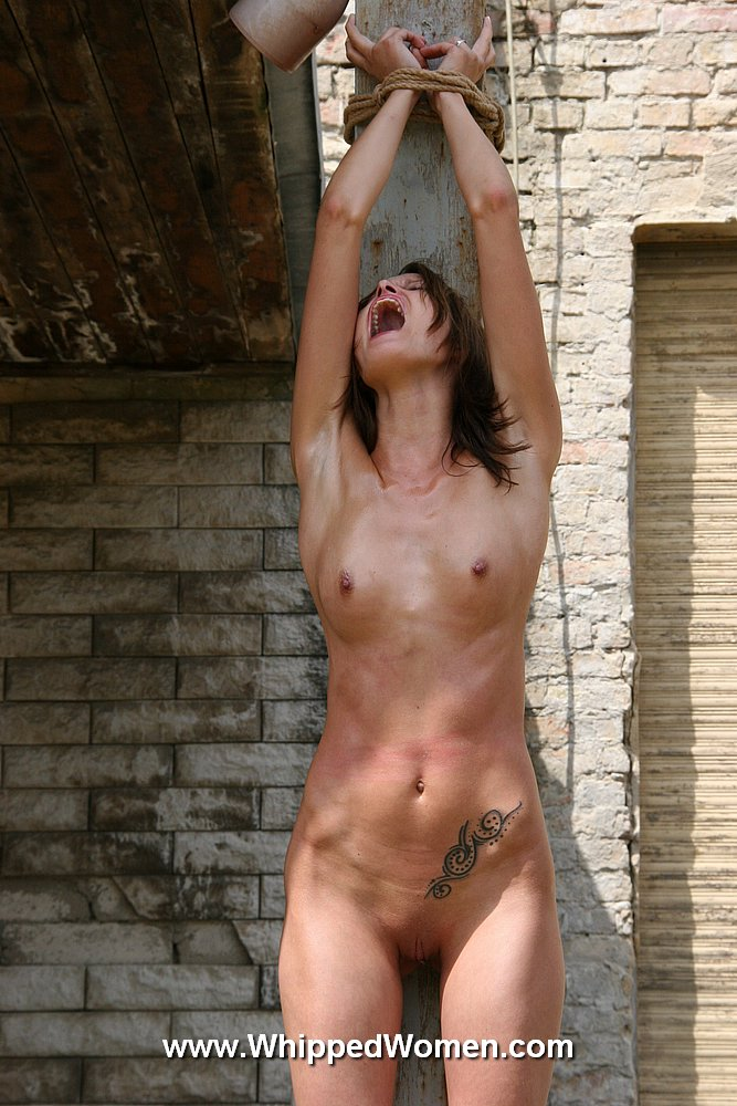 naked girl fuking a pole