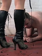 The Filth On Her Boots, pic #1