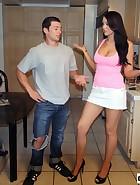 Alexis Trains Boyfriend, pic #1