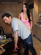 Alexis Trains Boyfriend, pic #4